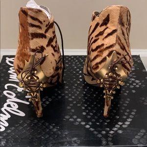 Sam Edelman Shoes - Come here Tiger 🐯
